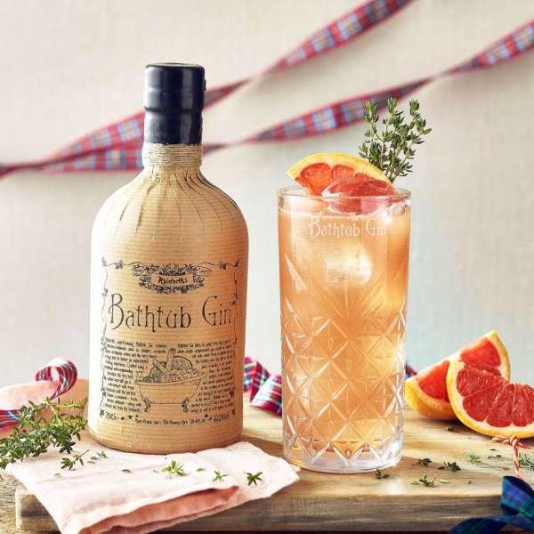 bathtub gin and grapefruit cocktail